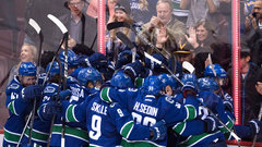 Comeback Canucks make it three straight