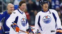 Oilers, Jets alumni get ready for Saturday's Alumni Game