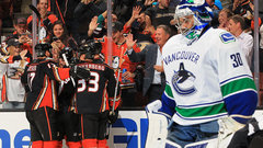 NHL: Canucks 2, Ducks 4