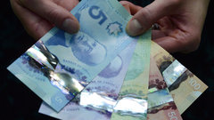 Payday loans on the rise, and not just among low-income Canadians