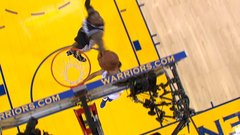 Must See: Curry stuffed by Simmons