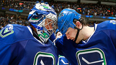 NHL: Maple Leafs 2, Canucks 3 (SO)