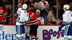 NHL: Canucks 2, Devils 3
