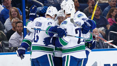 NHL: Canucks 5, Lightning 1