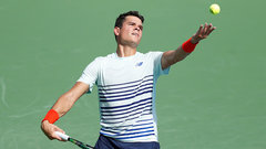 Raonic downs Isner in straight sets