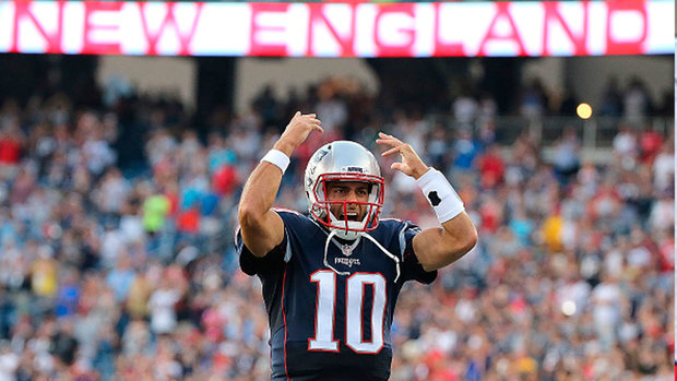 Garoppolo in command of Patriots' offence