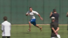 Tebow runs 60-yard dash