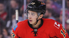 Gaudreau contract talks ongoing; Larsson excited in Edmonton