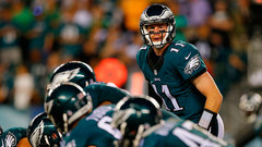 Wentz leads Eagles to 3-0 start