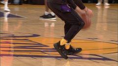 Lonzo wearing BBB shoes in debut