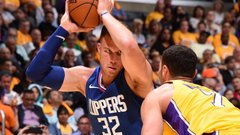 Griffin doing fine without CP3