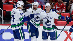 NHL: Canucks 4, Red Wings 1