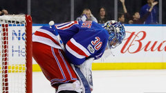 Poulin: Lundqvist struggling with new-look Rangers