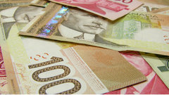 Cash is still king among Canadian consumers