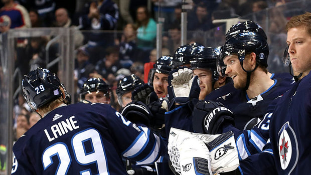 NHL: Devils 2, Jets 5