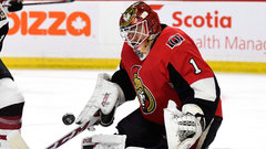 Two significant mistakes by Condon bury the Senators