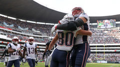 NFL: Patriots 33, Raiders 8
