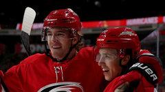 NHL: Islanders 2, Hurricanes 4