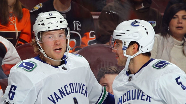 NHL: Canucks 5, Flyers 2