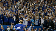 Jays, Bautista reach one-year, $18M deal with options