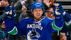 Henrik Sedin discusses closing in on 1000 points