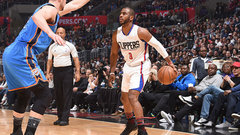 How will CP3's thumb injury affect his style of play?
