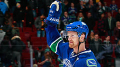 Why isn't Henrik Sedin getting the recognition he deserves?