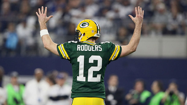 Rodgers leading Packers on another historic run