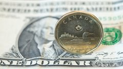 ETFs for loonie bulls…and loonie bears