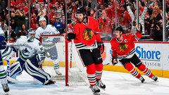 NHL: Canucks 2, Blackhawks 4