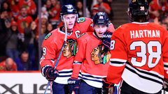 Toews finds touch against Canucks