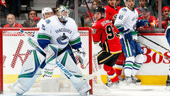 Markstrom starts in goal as Canucks look for 7th straight win