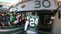 Revis charged with assault, robbery in Pittsburgh
