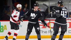 NHL: Devils 4, Islanders 6