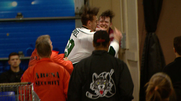 Must See: AHL fight continues into hallway