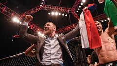 McGregor yells 'I am boxing!' while ringside in New York