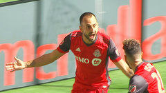 Shea's red card sinks Whitecaps as TFC picks up first win