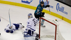 NHL: Maple Leafs 1, Sharks 3