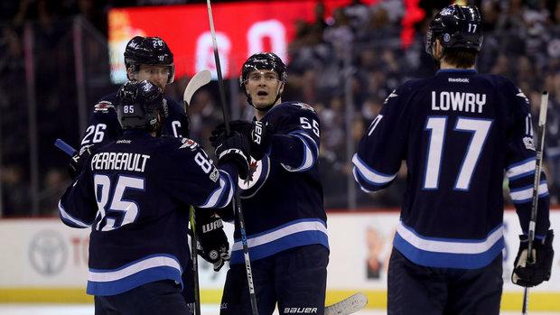 NHL: Flyers 2, Jets 3