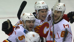 NHL: Flames 3, Blues 2 (OT)