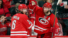 NHL: Red Wings 1, Hurricanes 4