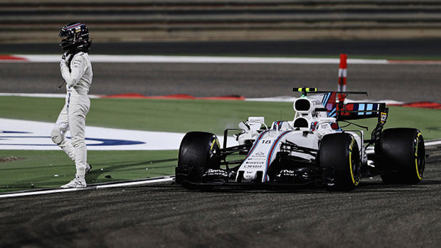 Hauraney: Stroll a 'sitting duck' as he crashes out of Bahrain