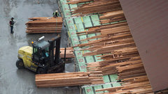 Canada vows to fight back against 20% U.S. lumber duties