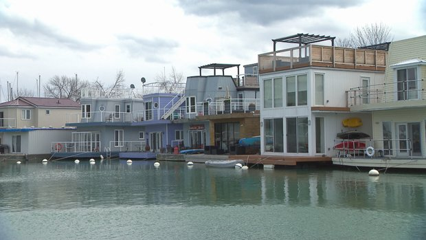 Toronto's floating homes: Cottage living, without the commute