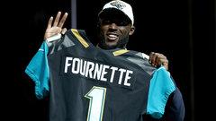 Jaguars draft RB Leonard Fournette fourth overall