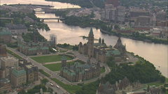 Quebec and Ottawa: Politics and the economic outlook