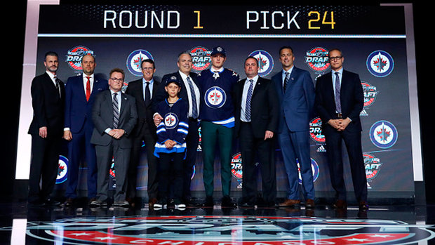 Jets take Finnish winger Vesalainen with 24th pick