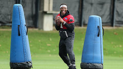 Newton throws for the first time since surgery