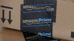 Stock vs. Stock: How Amazon is beating Wal-Mart at its own game