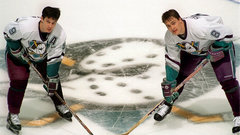 Button on Selanne and Kariya: 'What they did on the ice was special'